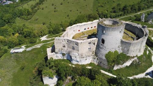 Mo(nu)ments Historiques @ Château-Gaillard 00